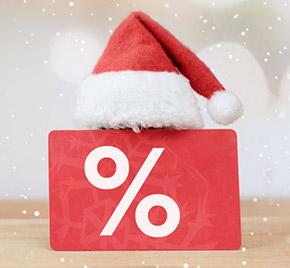 Abverkaufszeichen mit Weihnachtsmütze